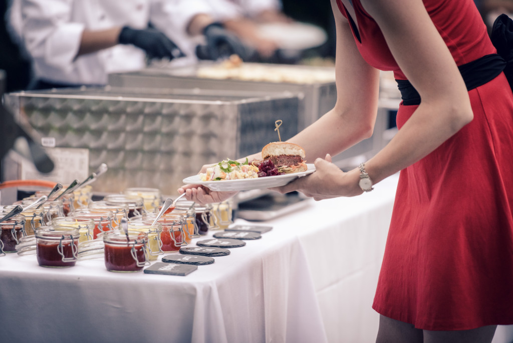 Mangosteen Catering, Hochzeit im Traumgarten Thalwil, BBQ